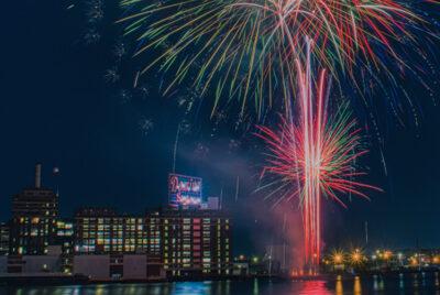 Iconic Domino Sugars Sign Returns to Baltimore